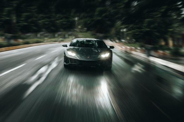 LED luči za avto so energetsko učinkovite in zagotavljajo kakovostno osvetljenost.